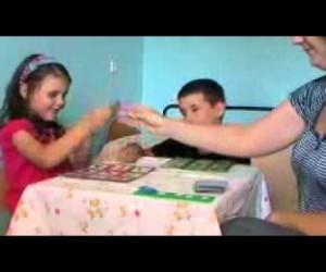 Игра с аутичным ребенком — Детское лото. ABA — терапия.