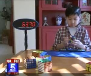 Мальчик с аутизмом — самый быстрый игрок в кубик Рубика.