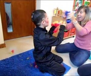 ABA и дети-аутисты, причиняющие себе вред: история Шона.