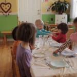 дети в монтессори